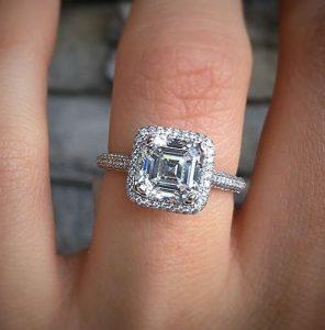 Very Rare Diamond Ring